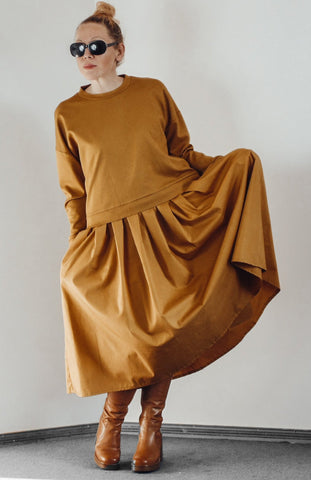 Yellow maxi dress with oversized sweatshirt  InModum | Flamingolandia