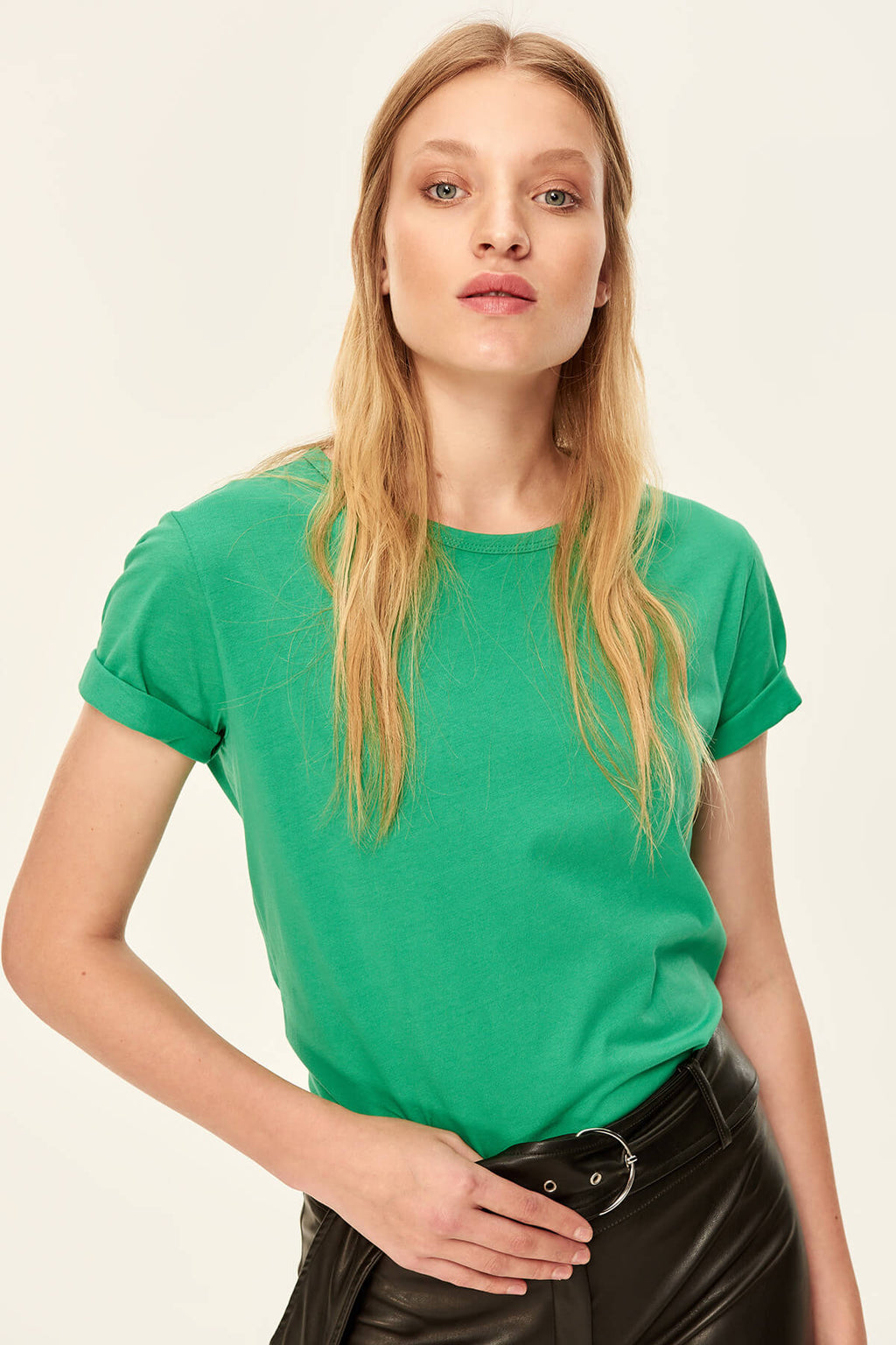 Trendyol Basic Green - 100% Cotton Knitted T-shirts Neck TCLAW19ZH0036 - sweet-casa.com