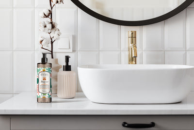 Antibacterial Hand Wash with Lemon, Tiaré, Lotus Flower Extracts - The HiO Life