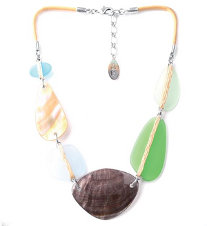 Plastron Simple Necklace