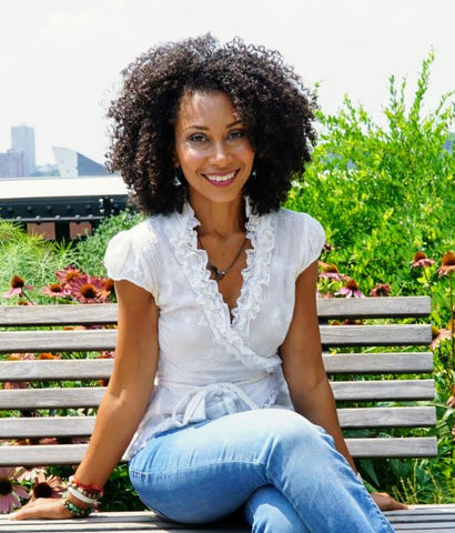 Scarlett Rocourt creator of Wonder Curl