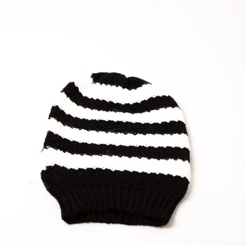 OVERSIZED BEANIE - BLACK AND WHITE