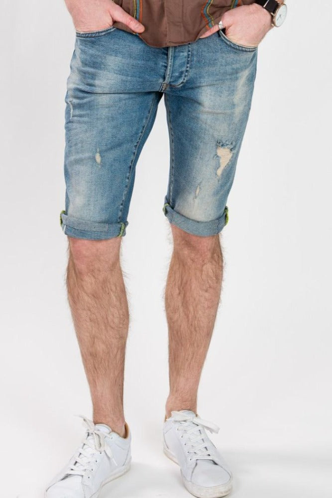 SLIM FIT DENIM SHORTS - LIGHT WASH