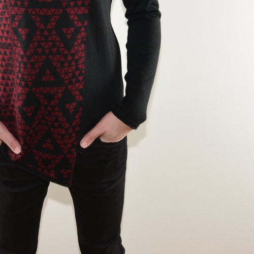 ASYMETRICAL SWEATER - GEOMETRIC MOTIF