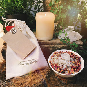 Cleansing And Protection Flowering Bath Salts With Clear Quartz