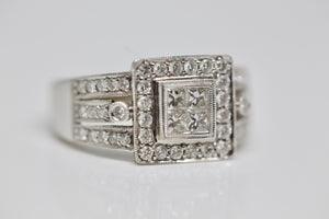 18K Gold 1.32 Cart Diamonds Stunning Royal Ring