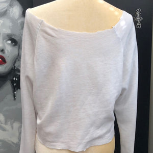Gorgeous modified off the shoulders soft crop top