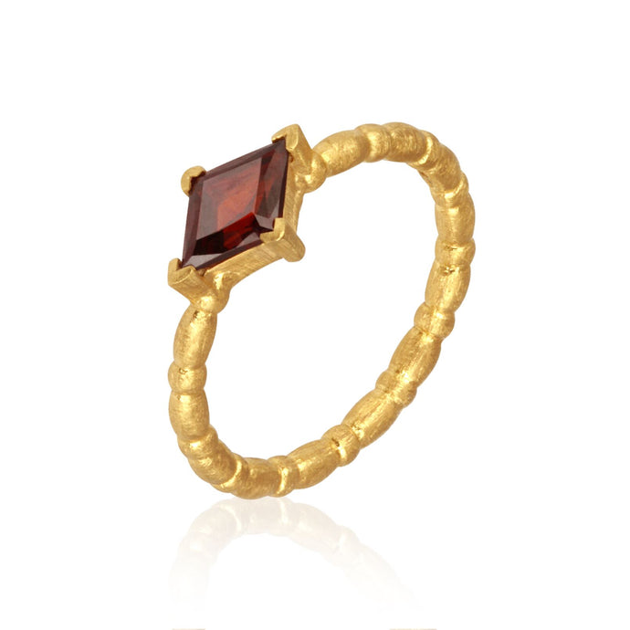 Temple of the Jaya Garnet ring gold