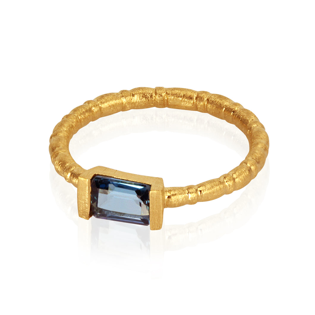 Temple of the Sun Pia ring topaz gold