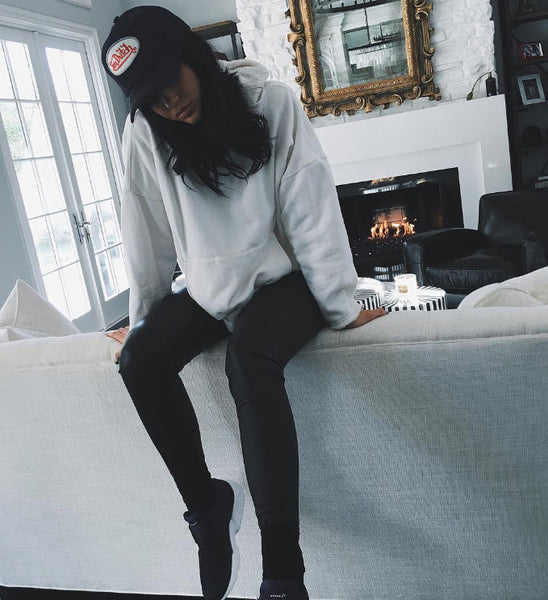 kylie jenner wearing trucker hat