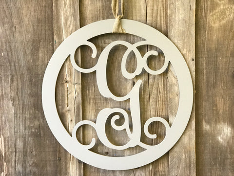 Circle 22 inch Monogram with Vine Font