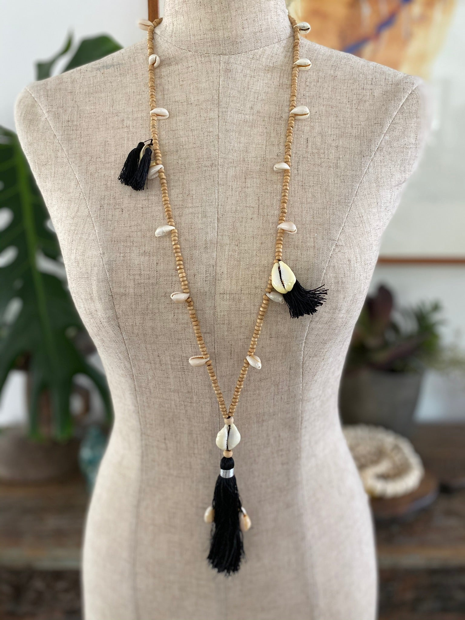 Wooden Bead Tassel with shells - Black