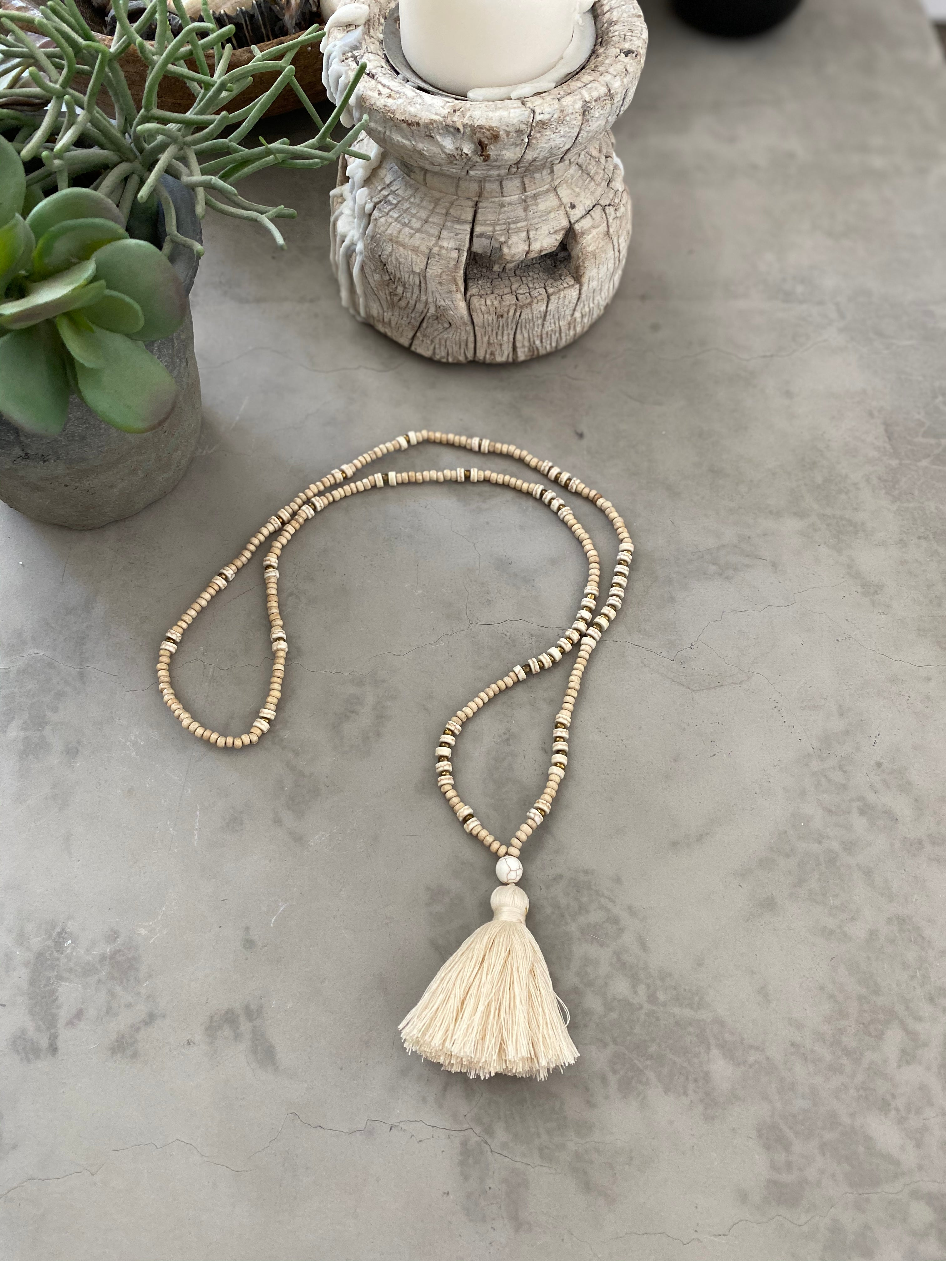 Light Wooden Tassel - Cream