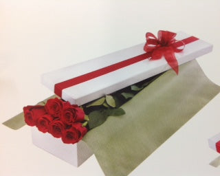 12 RED ROSES IN BOX