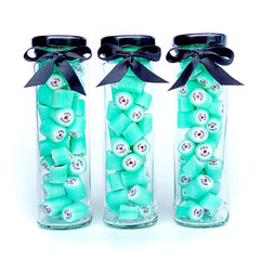 Personalised wedding candy in jars with ribbon
