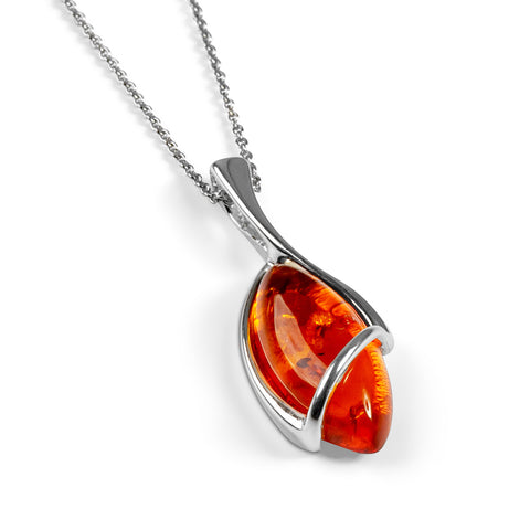 Elegant Twist Necklace in Silver and Amber