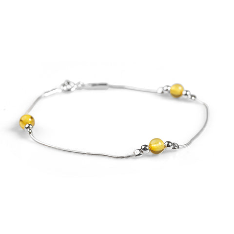 Delicate Bracelet in Silver and Amber