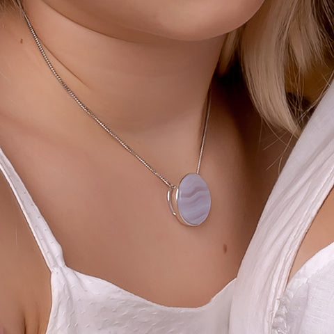 Small Circle Necklace in Silver and Blue Lace Agate