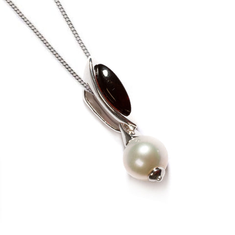Marquise Pearl Necklace in Silver and Amber