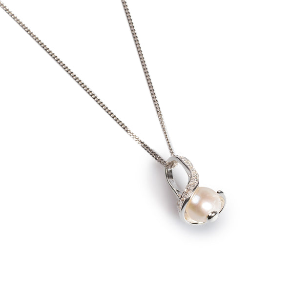 Delicate Necklace in Silver, Cubic Zirconia and Pearl